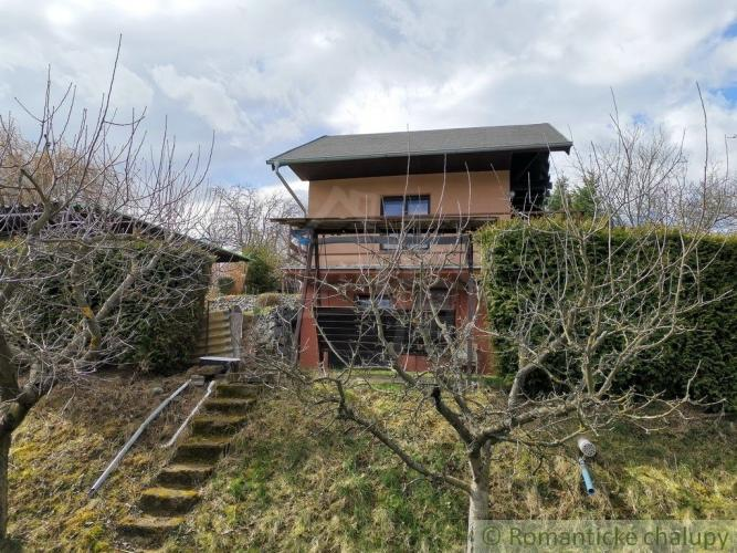 Reality Záhradný dom a záhrada s krásnym výhľadom do okolia vo vzorne udržovanej záhradkárskej osad