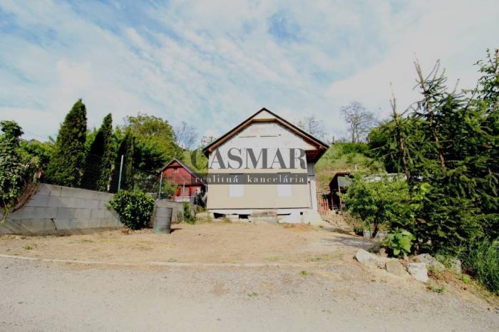 Reality CASMAR RK ponúka na predaj murovanú chatu  v chatovej oblasti Posádka