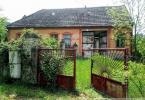 Reality Stará usadlosť  priamo v Bzinciach pod Javorinou s veľkou stodolou a pekným pozemkom vhodná na
