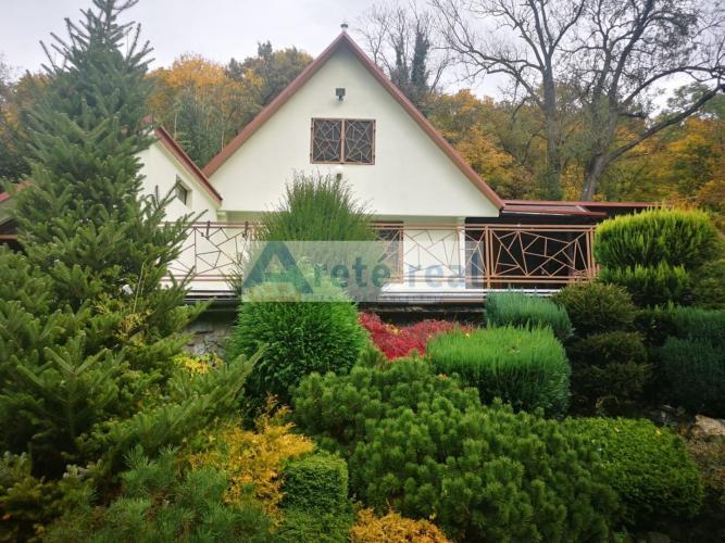 Reality Areté real, Predaj veľmi peknej 4-izbovej chaty s nádherným výhľadom, priestranným 1958m2 par