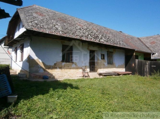 Reality Malá chalúpka v kopaničiarskej dedinke neďaleko Myjavy na predaj, exkluzívne len u nás !