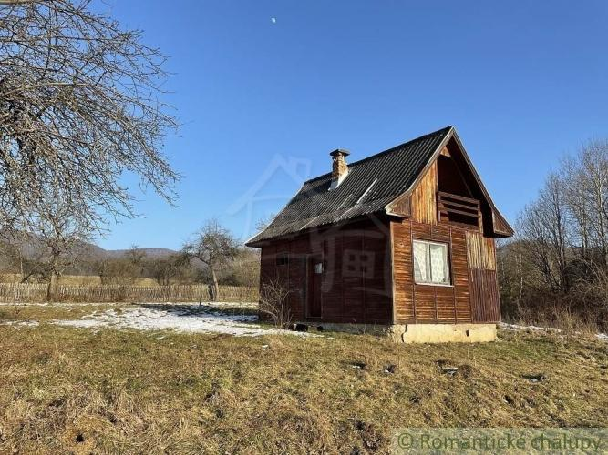 Reality Pozemok s chatkou v obci Roštár