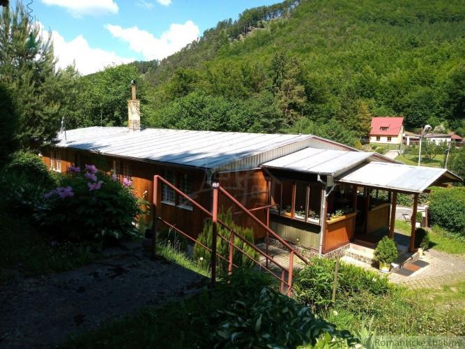 Reality Rekreačná chata  Ráztočno vzdialená len 15 minút od Prievidze v horskej  lokalite Remata na pr