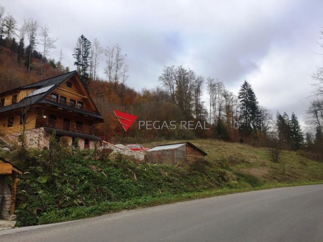 Reality Lukratívny pozemok (1500 m2) pri golfovom rezorte Tále, obec Bystrá