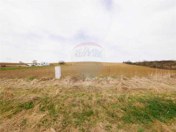 Reality PREDAJ: Stavebný pozemok 700 m2 Liptovské Sliače - výhodná cena.