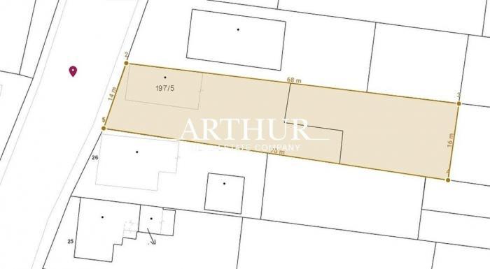 Reality ARTHUR - Predaj stavebný pozemok v centrálnej časti obce