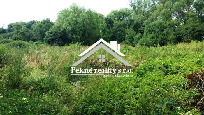 Reality Predaj pozemku Zvolen-Môťová