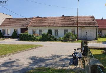 Reality Stavebná parcela v centre obce Krakovany