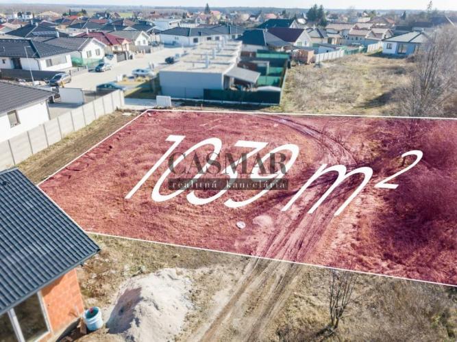 Reality Stavebný pozemok v zastavanej IBV 1039m2