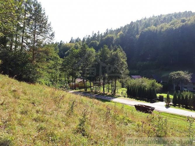 Reality Stavebný pozemok na okraji Ilavy v krásnom prírodnom prostredí pod lesom na predaj