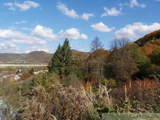 Reality Väčší stavebný pozemok v prírodnom prostredí nad obcou Nosice pri Púchove na predaj