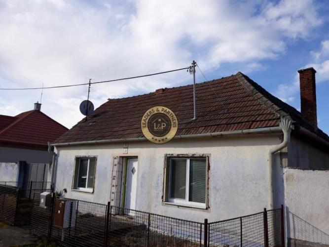 Reality Stavebný pozemok 1102 m2 ,so starším domom  -Drahovce