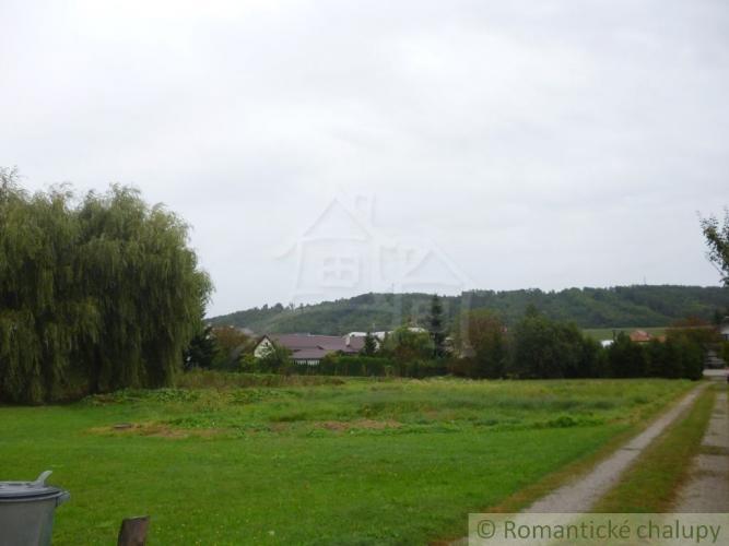 Reality Pozemok na stavbu domu v obci Topoľovka ( 7 km od mesta Humenné)
