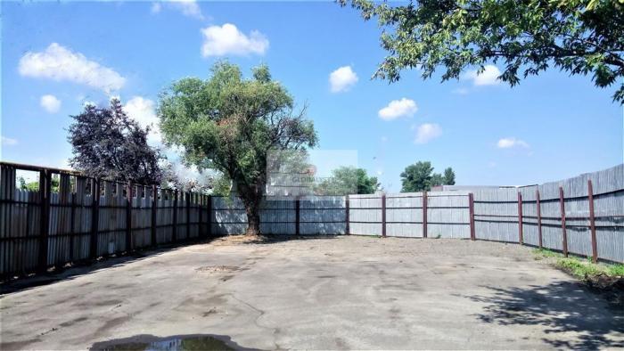 Reality Podnikateľský pozemok s výmerou 705 m2 v južnej časti mesta