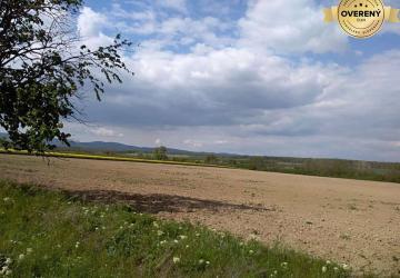 Reality Hľadáme pozemky 2.000m2-10.000m2 na výstavbu v okr. BA, PK, SC.