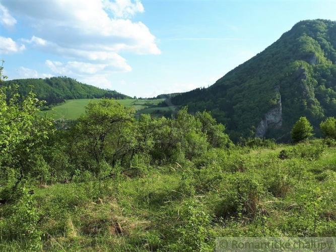 Reality Stavebný pozemok s krásnym výhľadom v prírodnom prostredí - Záskalie pri Považskej Bystrici
