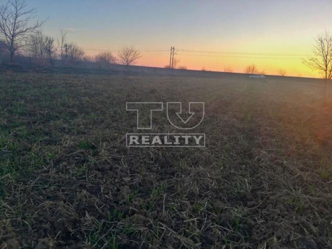 Reality Predaj stavebného pozemku, vhodného na výstavbu RD alebo chaty, 720m2, Valaliky. CENA: 17 000,00