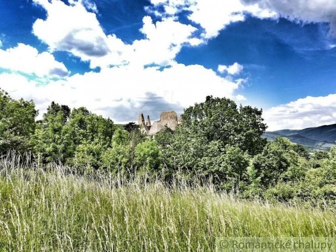 Reality Rozsiahly pozemok na výstavbu v okrajovej časti Divína