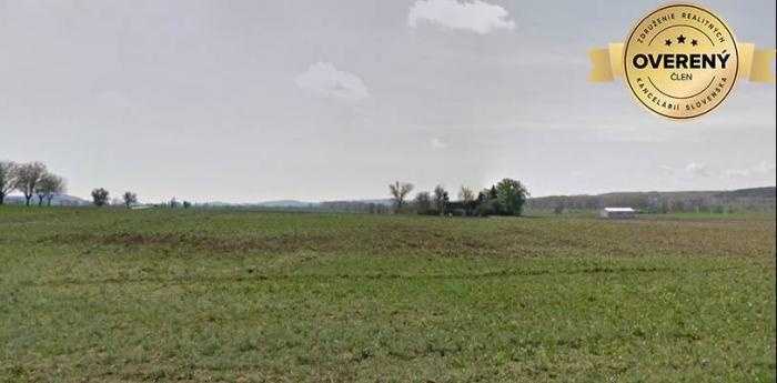 Reality PREDAJ- Priemyselný pozemok 133000 m2- 7 km od závodu Jaguar-Landrover