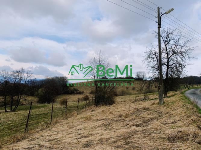 Reality Predám exkluzívne pozemok v okrese Zvolen