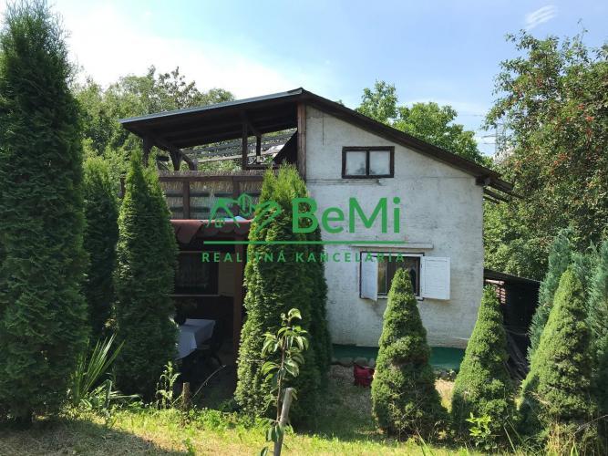 Reality Na predaj pozemok s chatkou Petrovany (020-14-MMC) - OPÄŤ V PONUKE