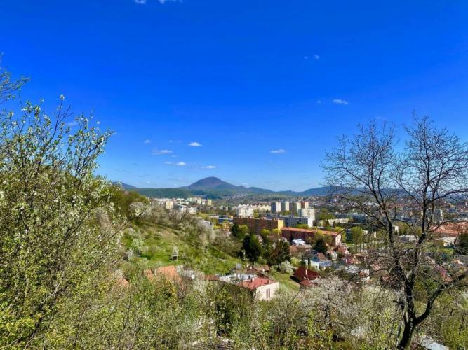 Reality Rekreačný pozemok s nádherným výhľadom na Prešov, 841 m2