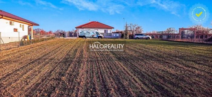 Reality Predaj, pozemok pre rodinný dom 4153 m2 Močenok, VEĽKOLEPÝ POZEMOK