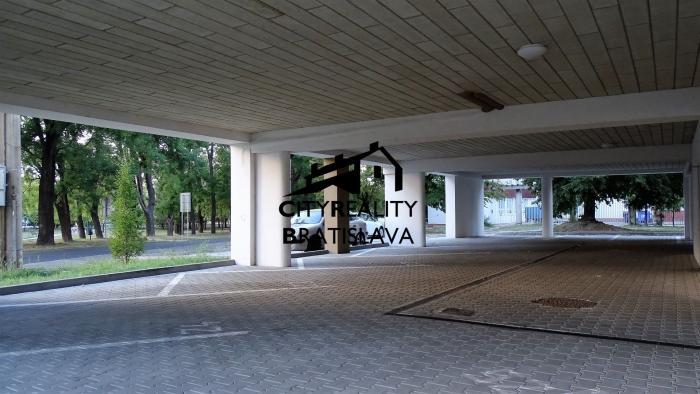 Reality Samostatné parkovacie miesto Šamorín
