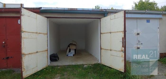 Reality Ponúkame na predaj garáž v lokalite Čiernych Hájov, 19m2.