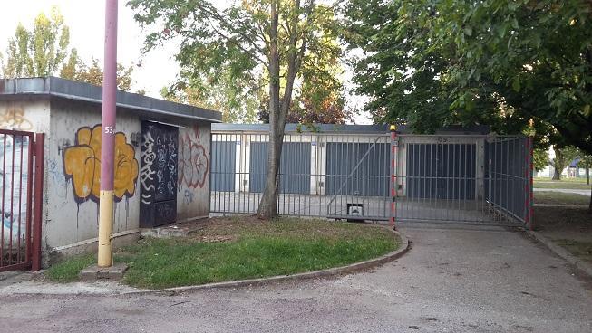 Reality Hromadná garáž, Trnava, Sever (Vodáreň)
