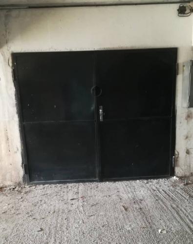 Reality Predaj, murovaná garáž v centre mesta Sereď