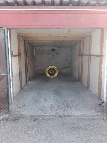 Reality Radová garáž, Sládkovičova ulica, mestská časť SEVER, 18 m2