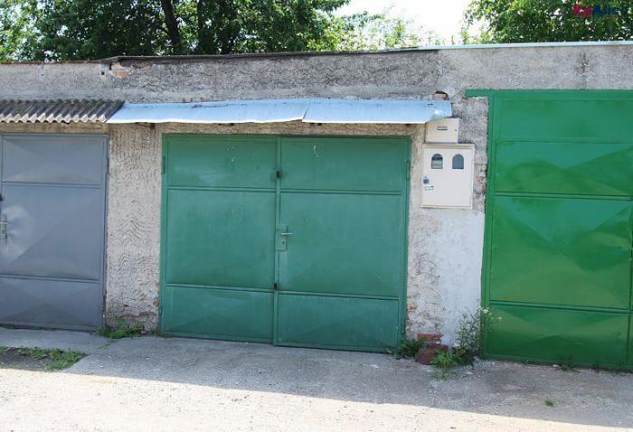 Reality Priestranná garáž s el. energiou, montážnou jamou, vysporiadaným pozemkom