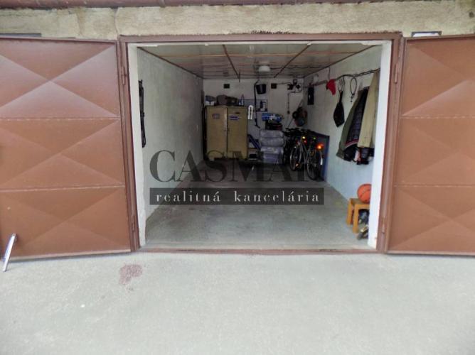 Reality CASMAR RK – Ponúka na predaj murovanú garáž v dobrej lokalite !!!