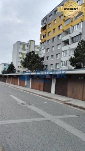 Reality PREDAJ GARÁŽE na TORYSKEJ ulici - VRAKUŇA, BA II