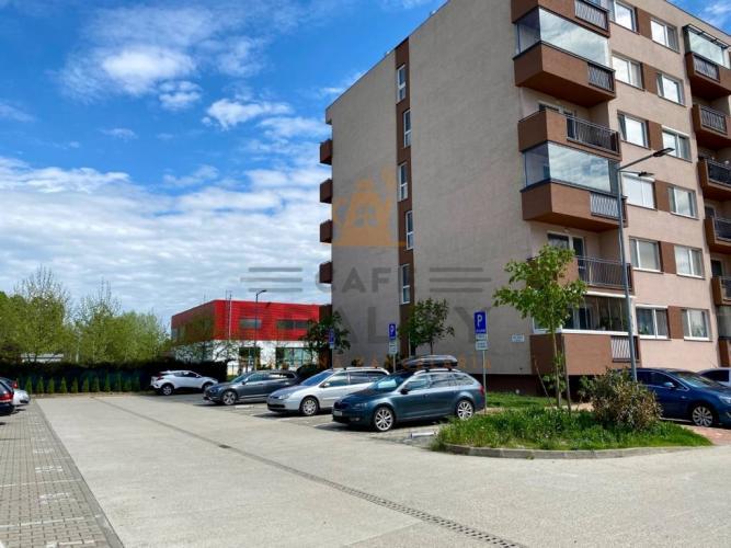 Reality Na predaj parkovacie státie, Bratislava, Petržalka, Betliarska ul.