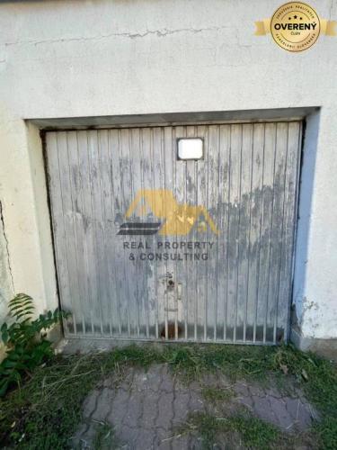 Reality Predám garáž v centre mesta Nové Zámky